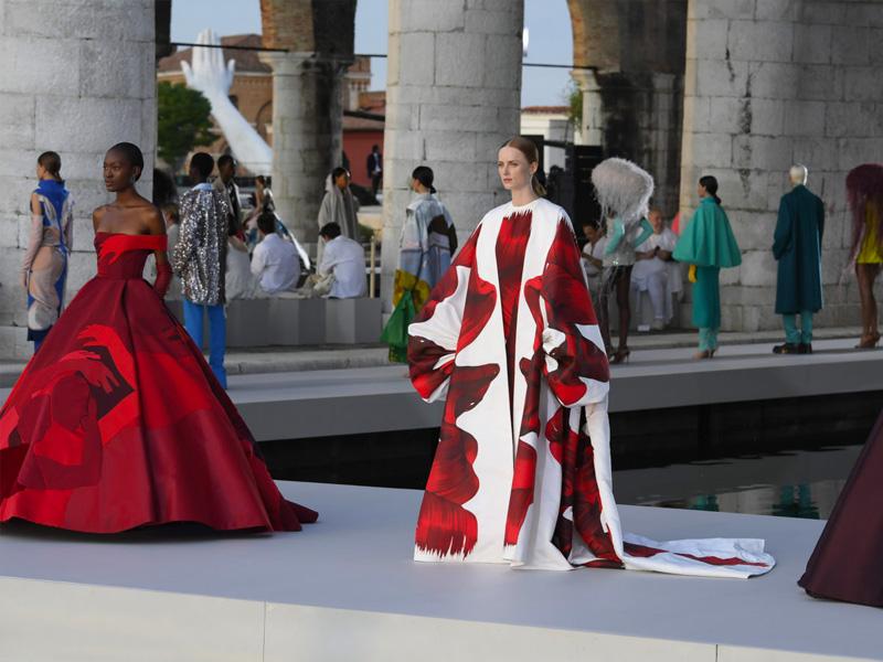 Valentino Fall 2021 Couture